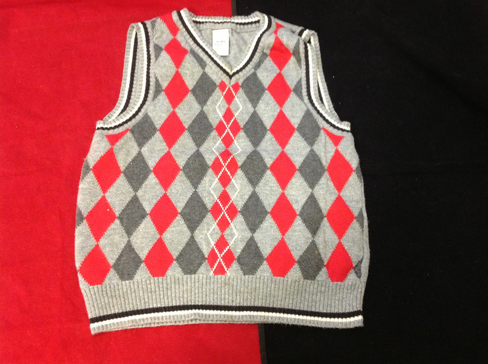 George Brand Boys Red and Gray Argyle Knit Vest size 4T Toddler
