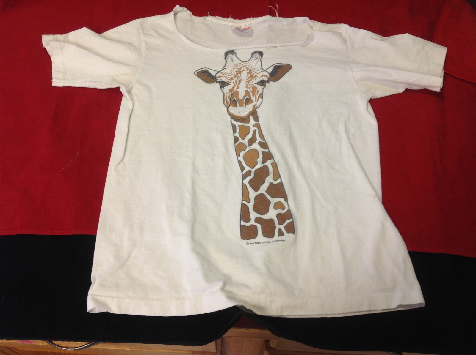 Giraffe Sof tee short sleeve size small t shirt