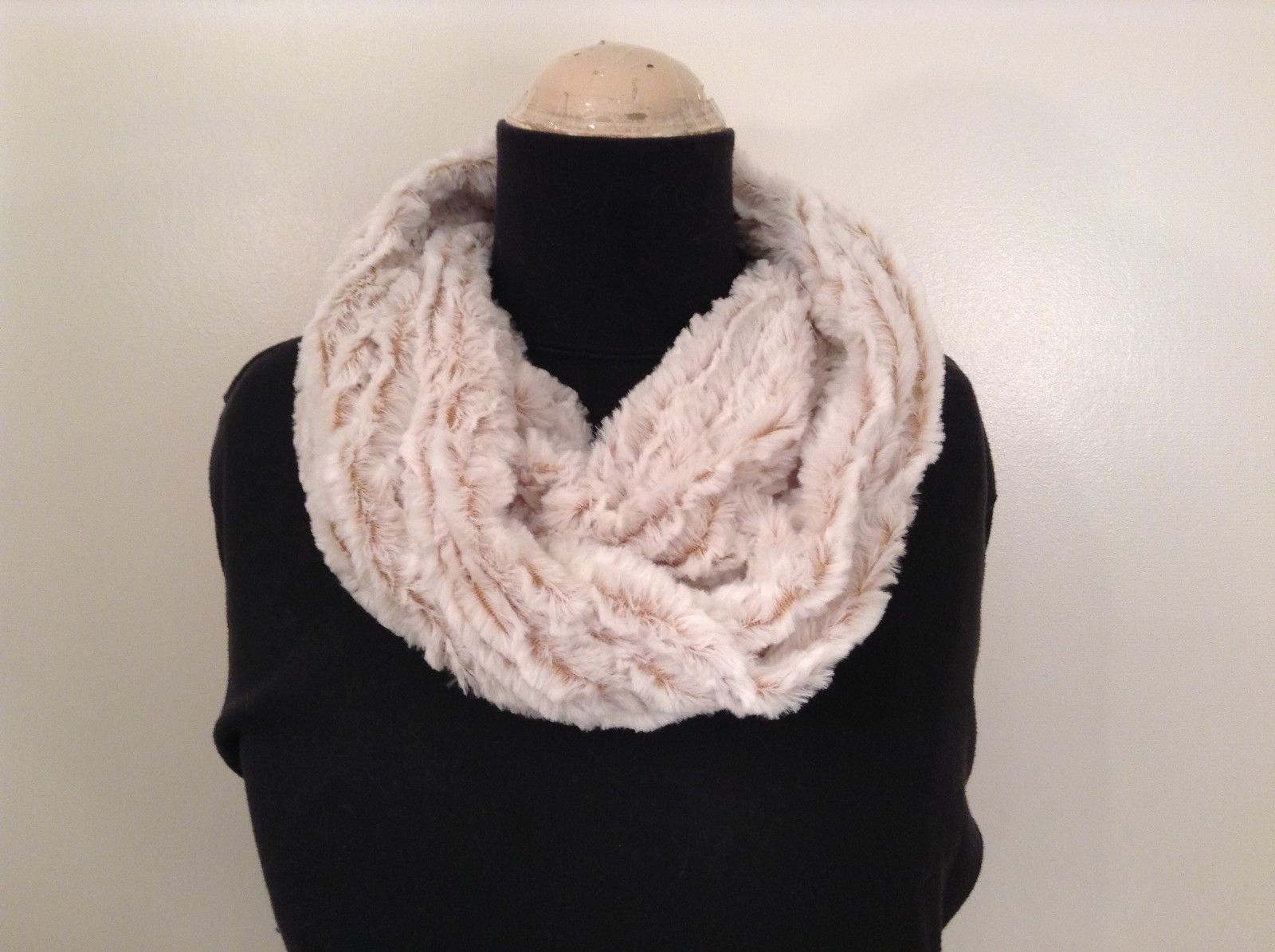 Fashion infinity faux fur 2 tone scarf warm cozy choice of accent