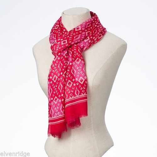 Fashion scarf  pink tonal diamond pattern
