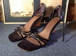 Fioni Black Wedged Heel Shoes Good Condition Ankle Straps Size 10 image 1