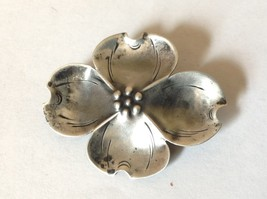 Flower Pin Brooch Vintage Sterling Silver Hinge Clasp dogwood