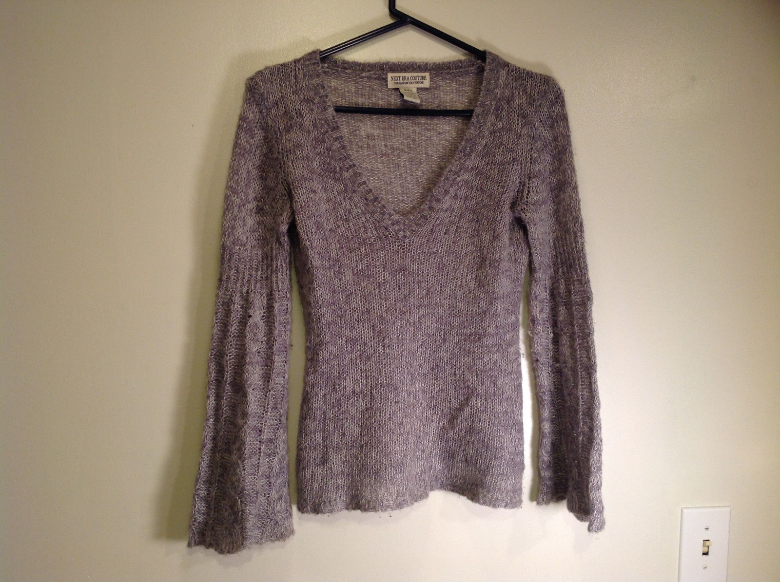 Gray Long Sleeve V Neck Next Era Couture Knit Fuzzy Sweater Size Small