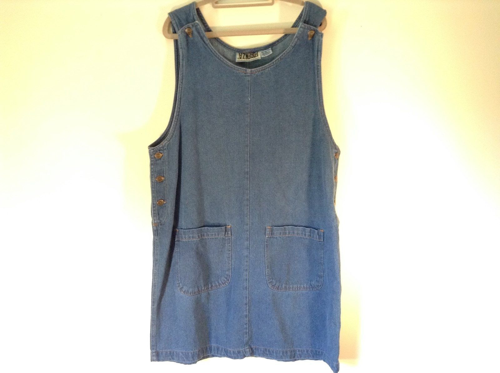 Forenza Denim Sleeveless Dress 3 Button Side Closure 2 Front Pockets Size 16
