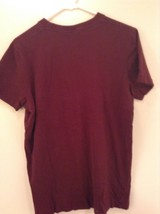 Faded Maroon Hollister Graphic Short Sleeve T Shirt 100 Percent Cotton Size L image 3