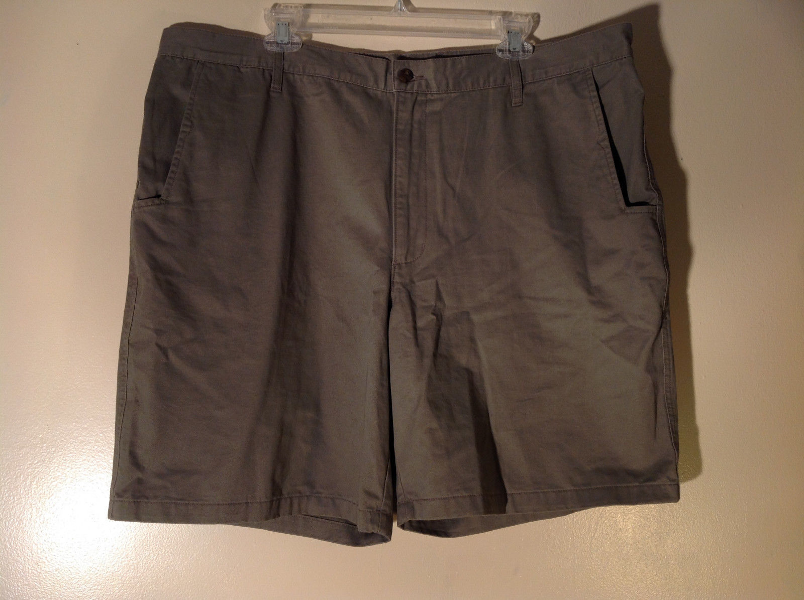 Gray Woolrich 100 Percent Cotton Shorts 2 Front Pockets 2 Back Pockets Size 40