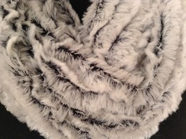 Fashion infinity faux fur 2 tone scarf warm cozy choice of accent image 3