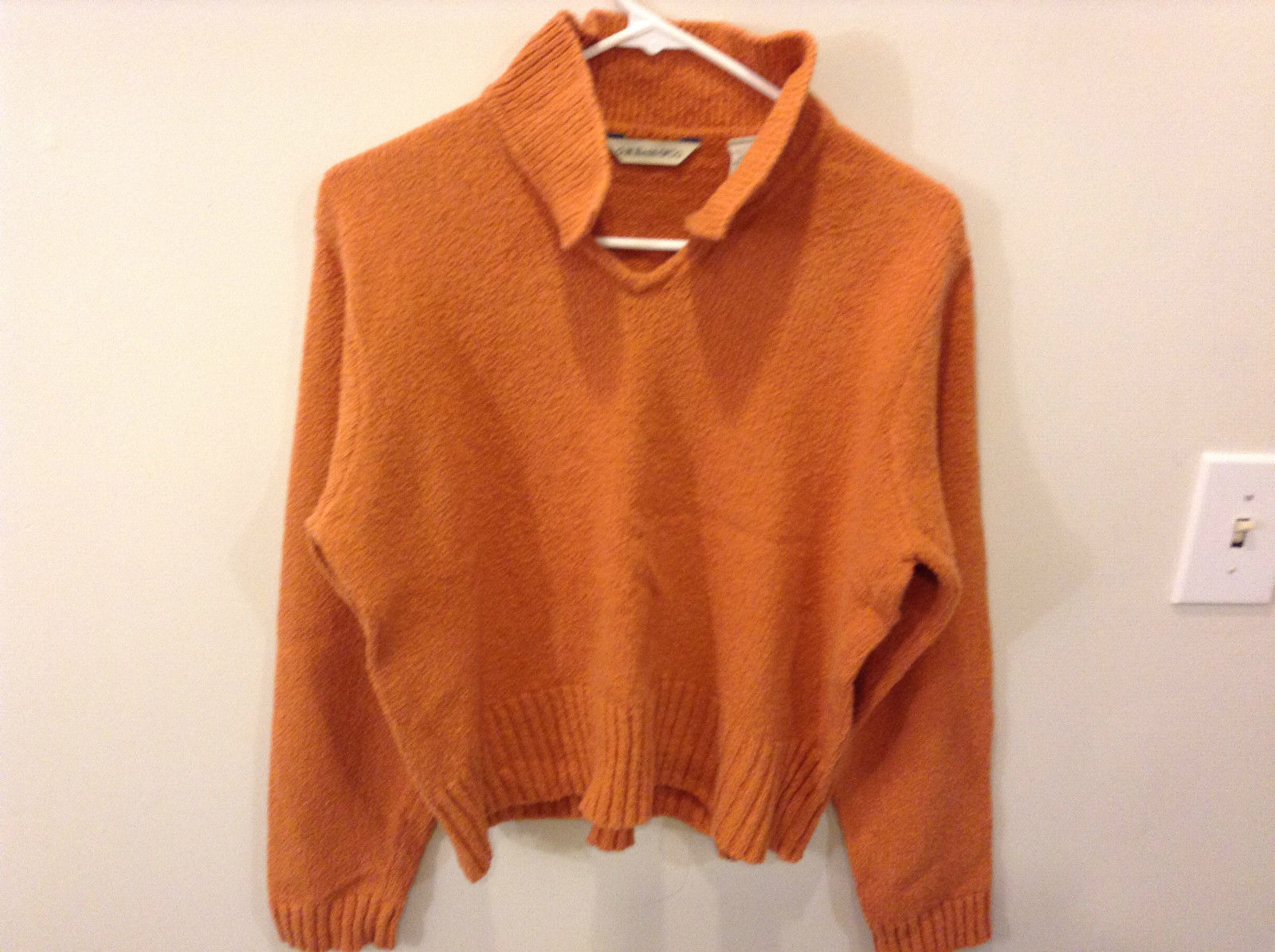 G H Bass and Company Orange Long Sleeve Collared V Neck Sweater Size Large