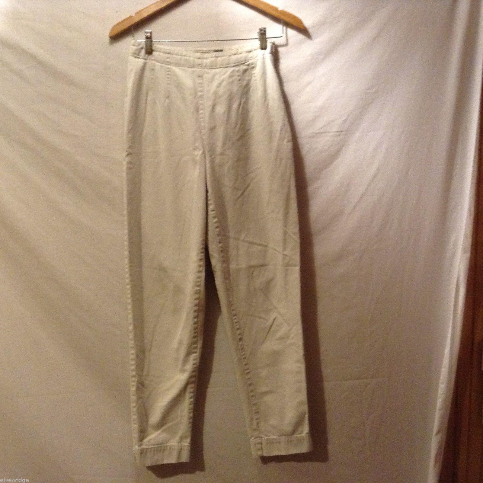 GAP Womans Khaki Pants, Size 6