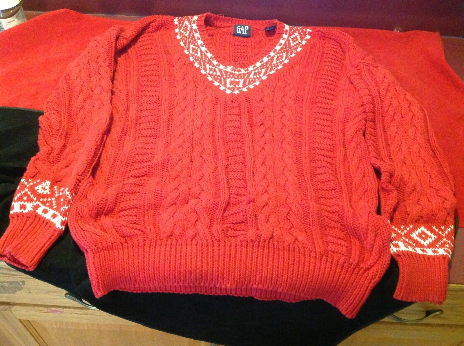 Gap women's red white long sleeve sweater size Large  100 % cotton