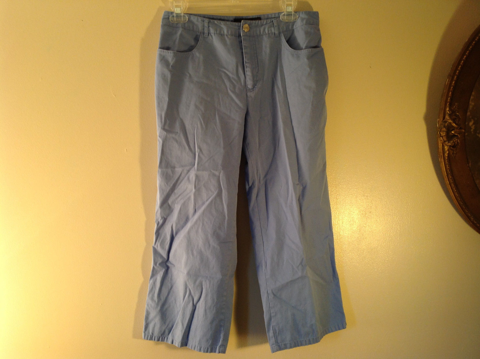 Geoffrey Beene Sport Light Blue Jean Capri Pants Size 6 Excellent Condition