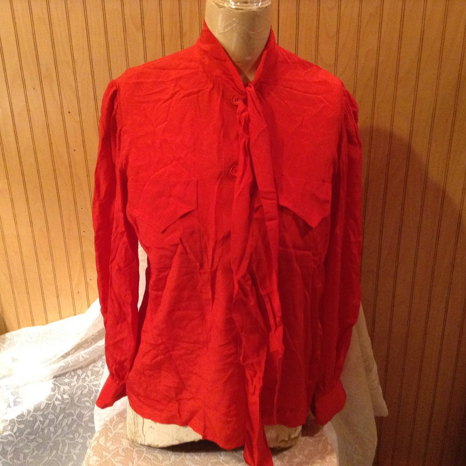 Givenchy 5 Size 42 Red Long Sleeve Vintage Style Blouse Button Down Front