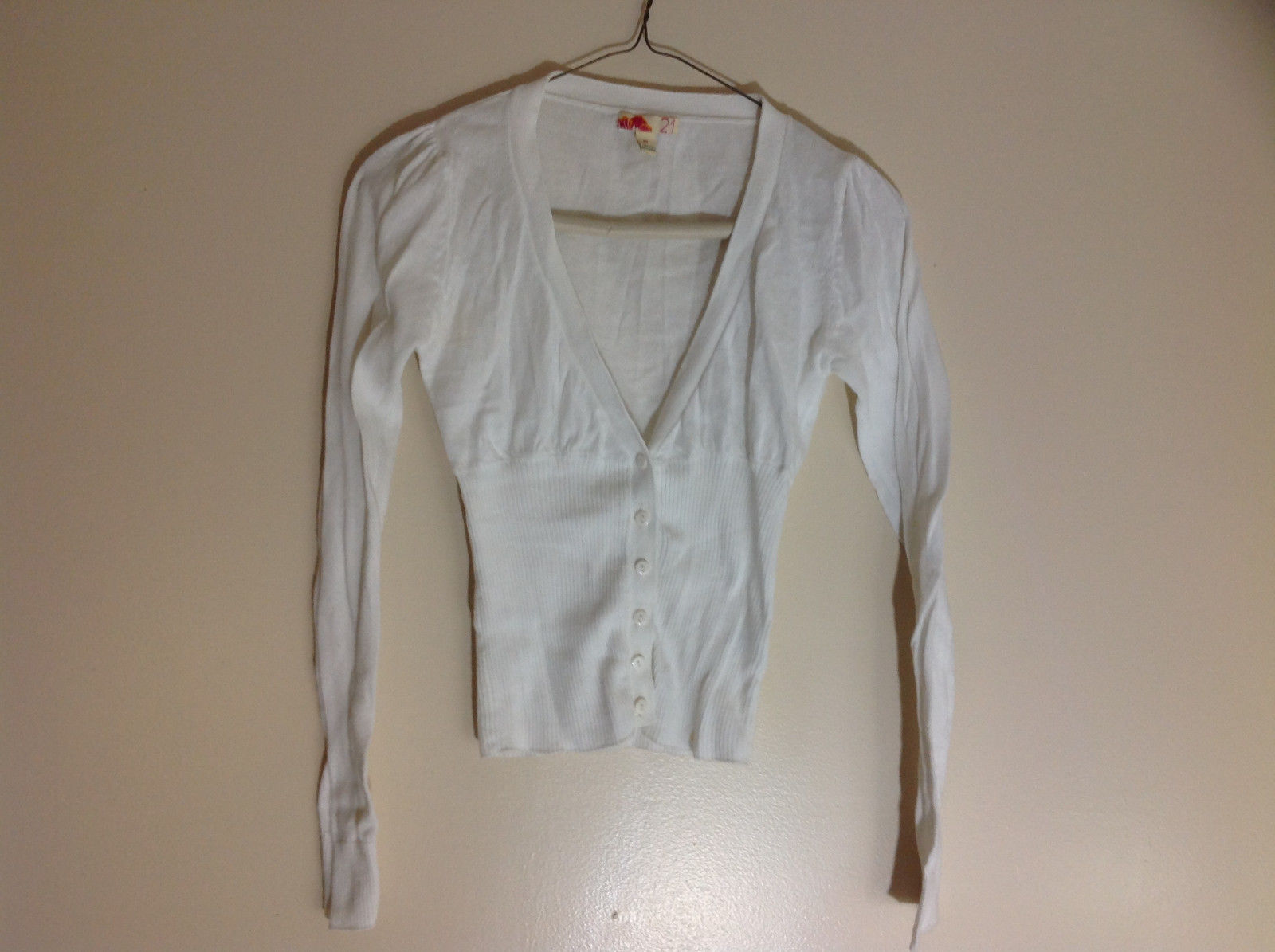 Girls White Button Up V-Neckline Sweater Ribbed Fabric from Belly Down Size M