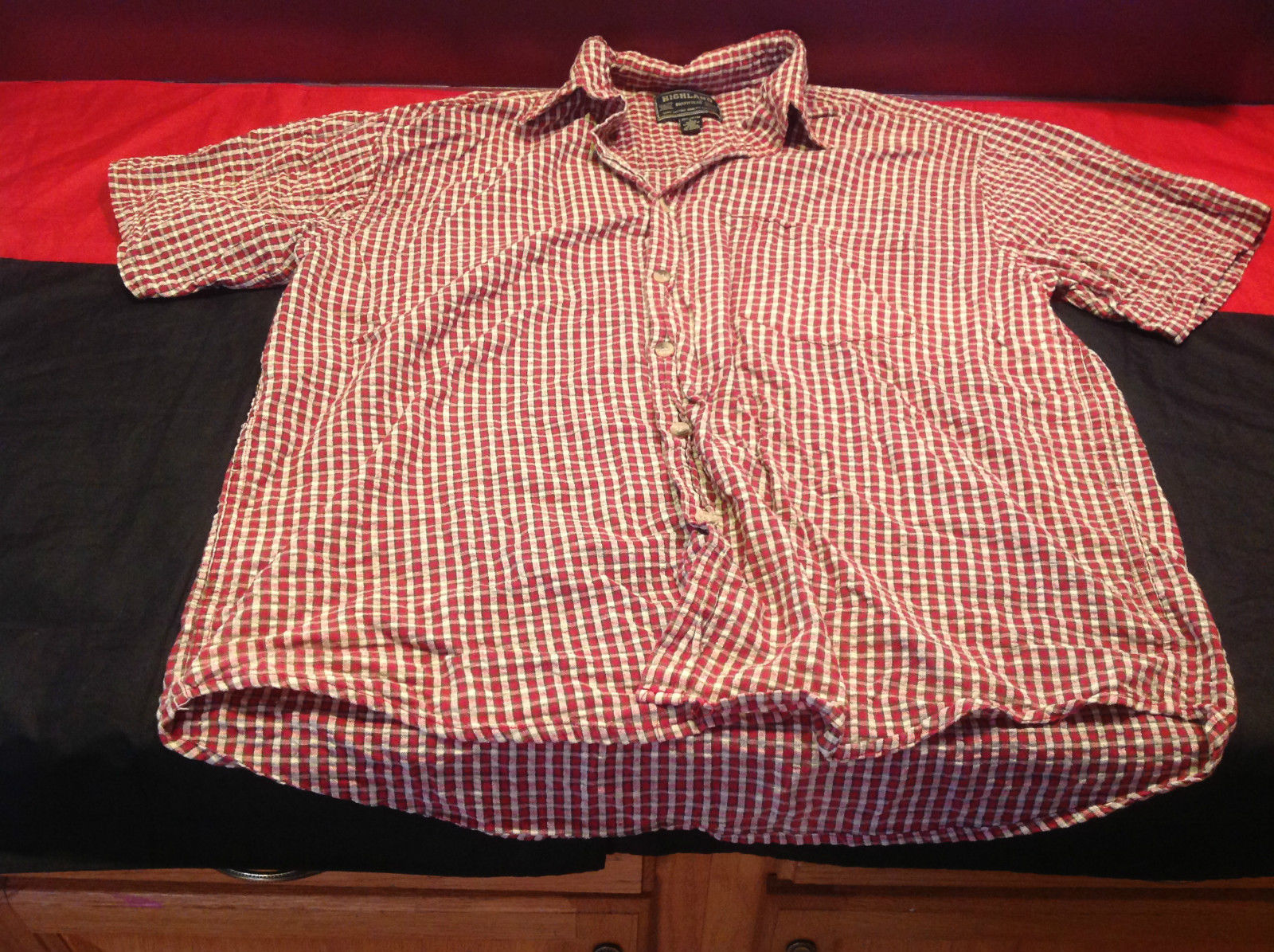 Highlander Outfitters Short Sleeve Red/White/Cream Button Front Shirt Size Large