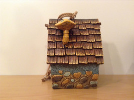 Garden Guardian Birdhouse Department 56 Choice of Green or Brown Roof image 7