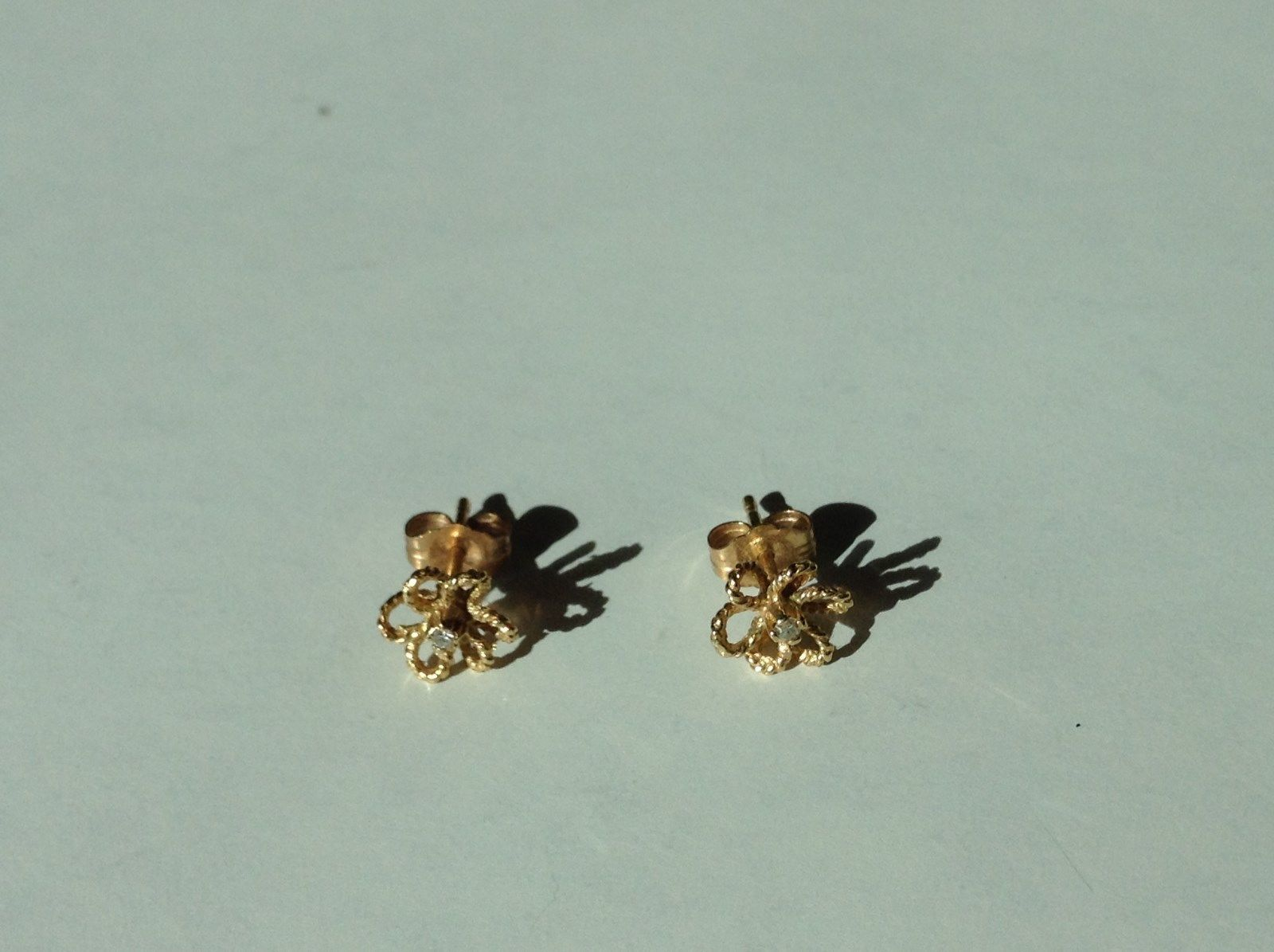 Gold Tone Tiny Study Earrings Flower Pattern with Tiny Crystal