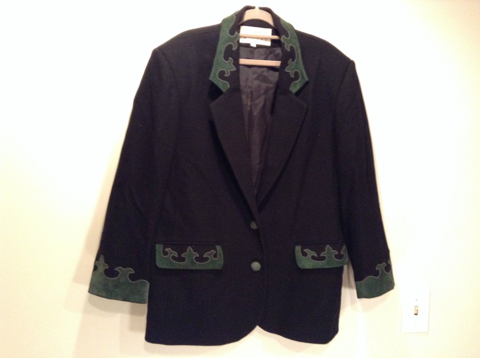 Hugo Buscati Milano Black with Green Leather Graphics Size Large Lined Blazer