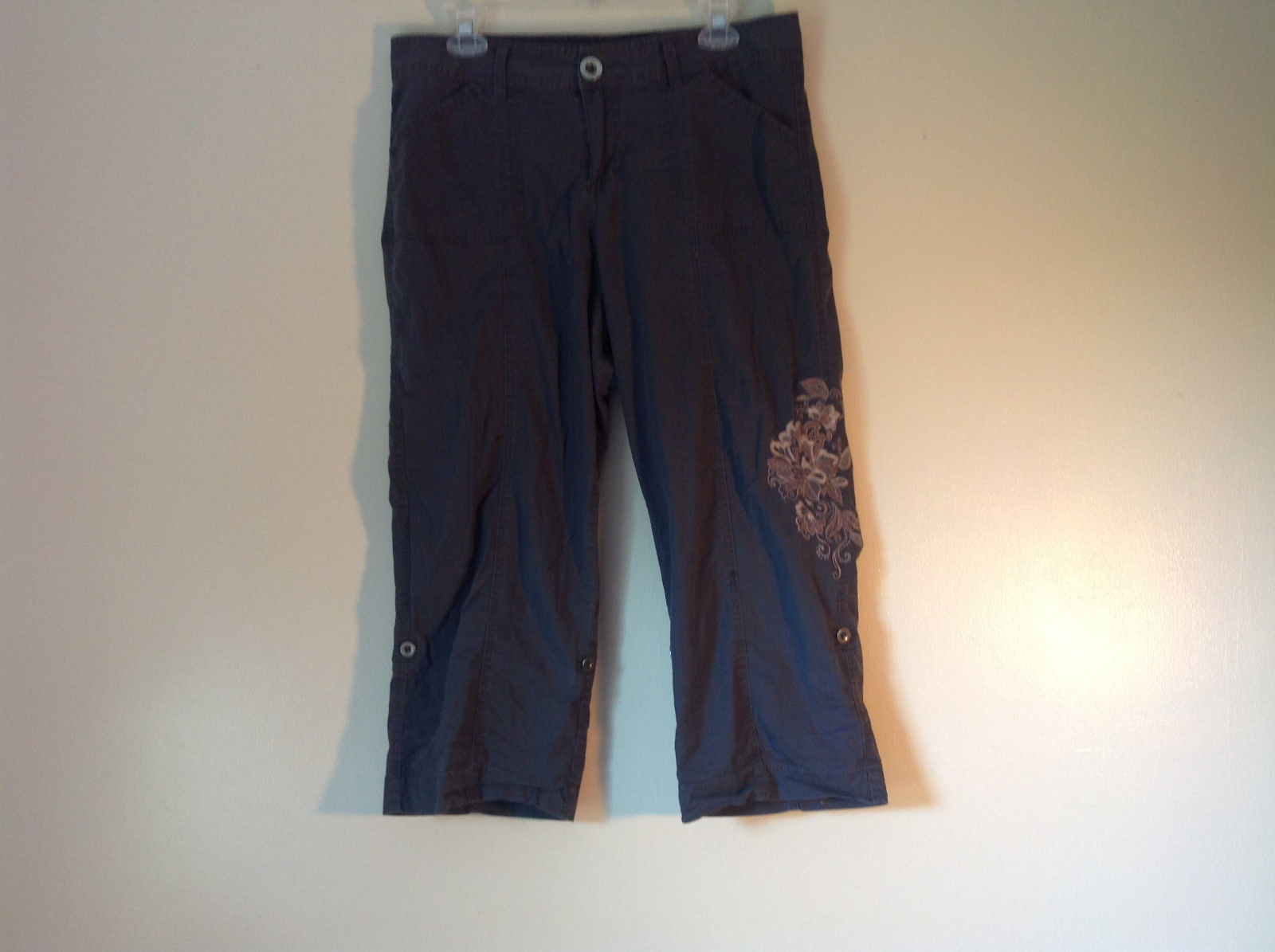 Gray Capri Pants by Style and Company Petite Size 12 Flower on Side