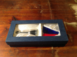 Glass Wine Bottle stopper Plug Red Blue White Looks like Sailboat With Box image 6