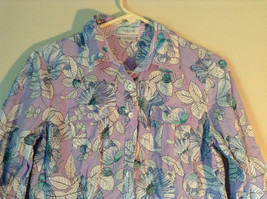 Hawaiian Style Button Down Shirt by Van Heusen Purple Two Front Pockets Size M image 2