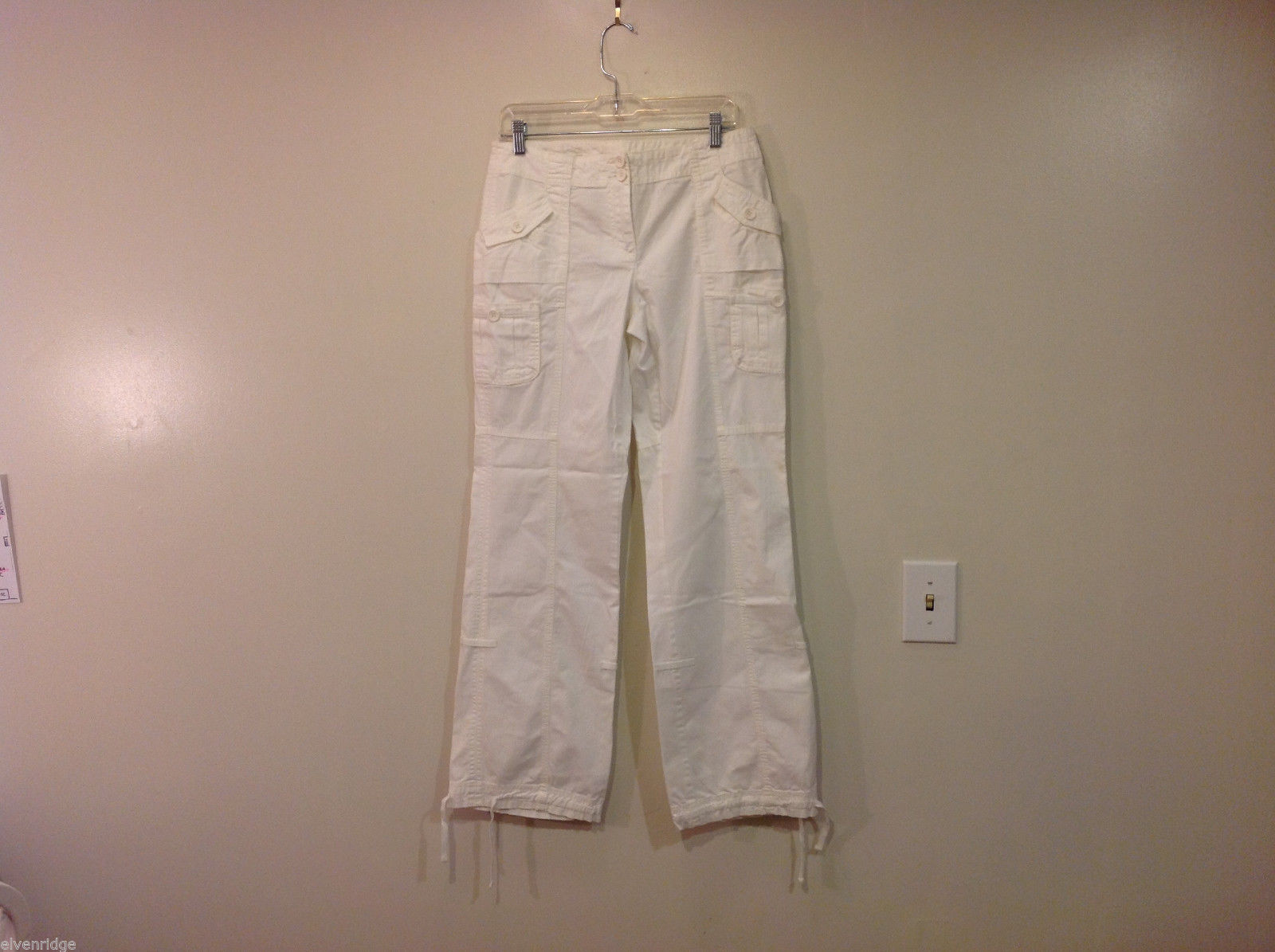 International Concepts White Casual Pants with Pockets and PEACE sign, Size 6
