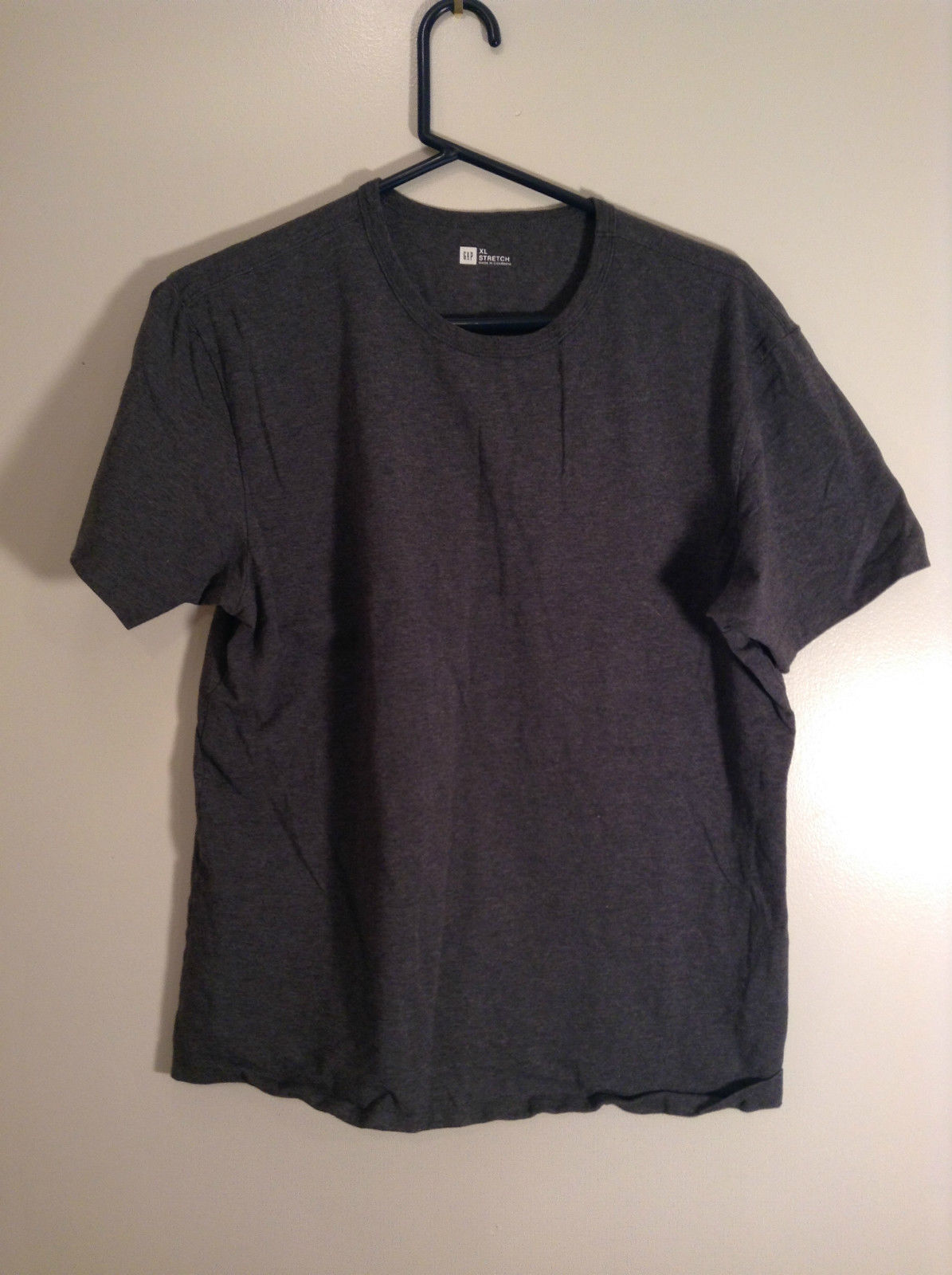 Gray Short Sleeve V Neck Top GAP Stretch Size XL