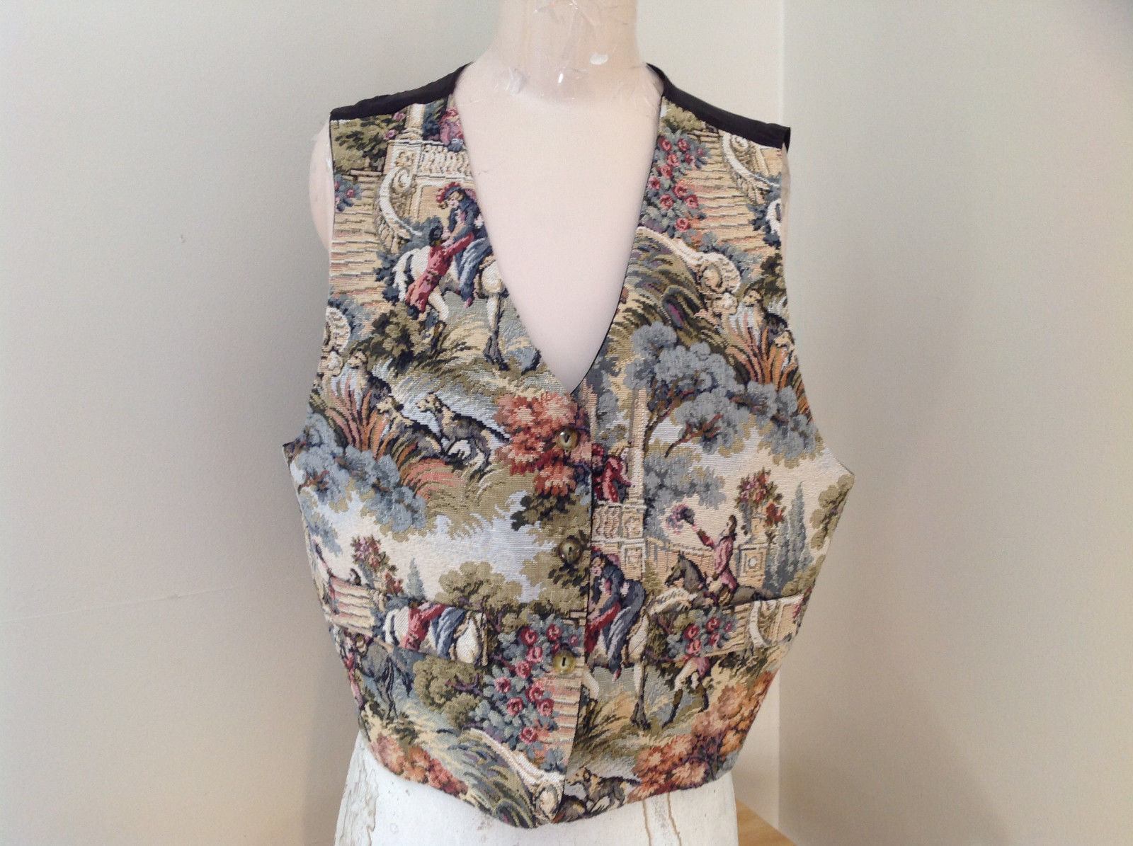 Green Blue Pink Tapestry Designed Vest Button Up V Neckline Styles to Go Size L
