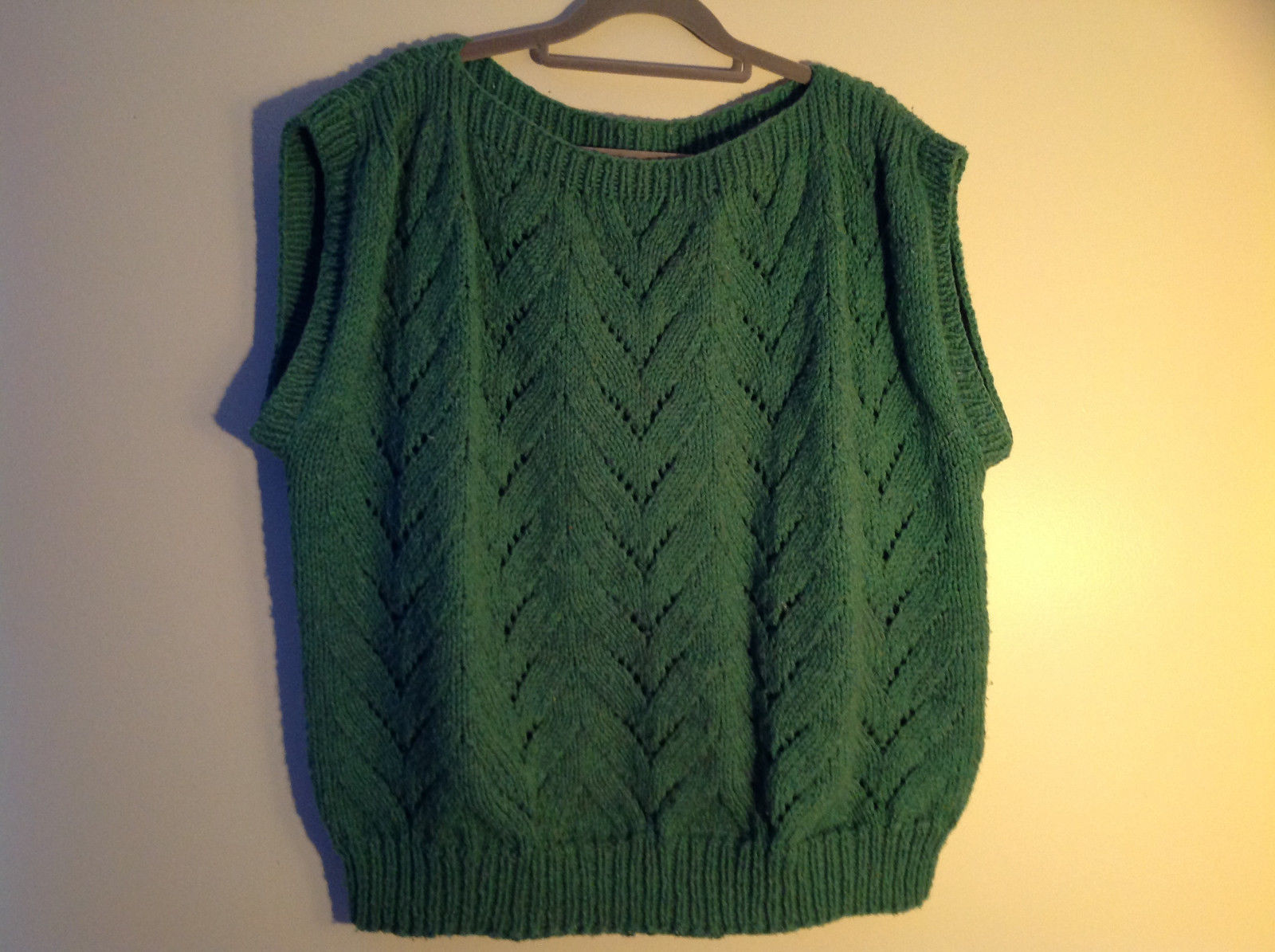 Green Cable Knit Pullover Sleeveless Vest Wide Neckline  NO TAG Size Large