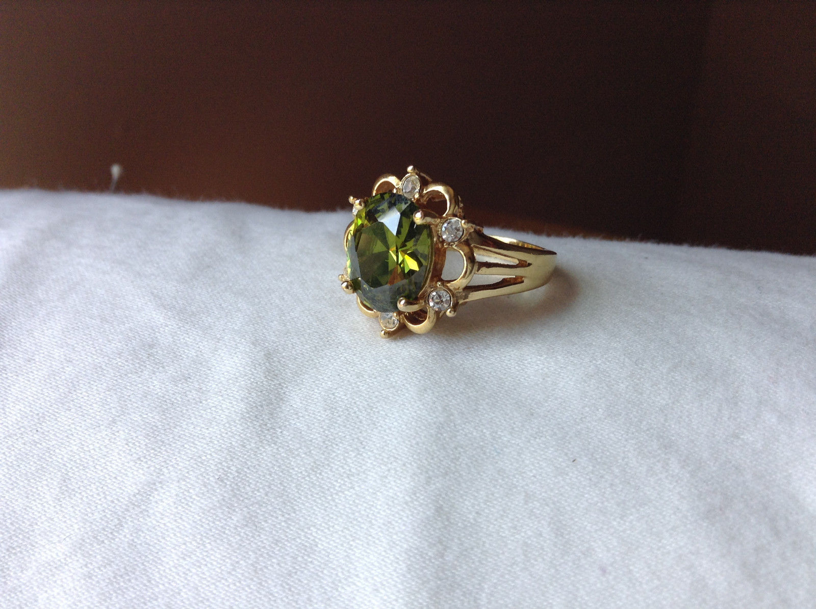 Green CZ with White CZ Petal Like Design Gold Plated Ring Size 8