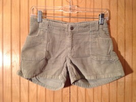 Green Corduroy Shorts Two Front Pockets Button Zipper Closure No Tags