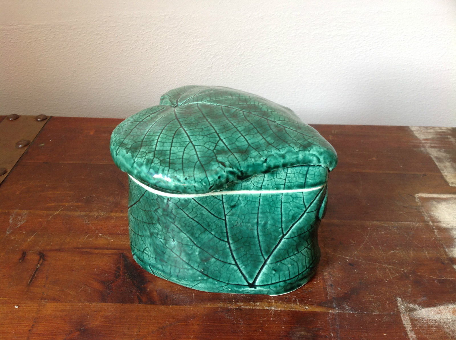 Green Grape Leaf Shaped Hand Crafted Artisan Ceramic Jar Trinket Box 2009