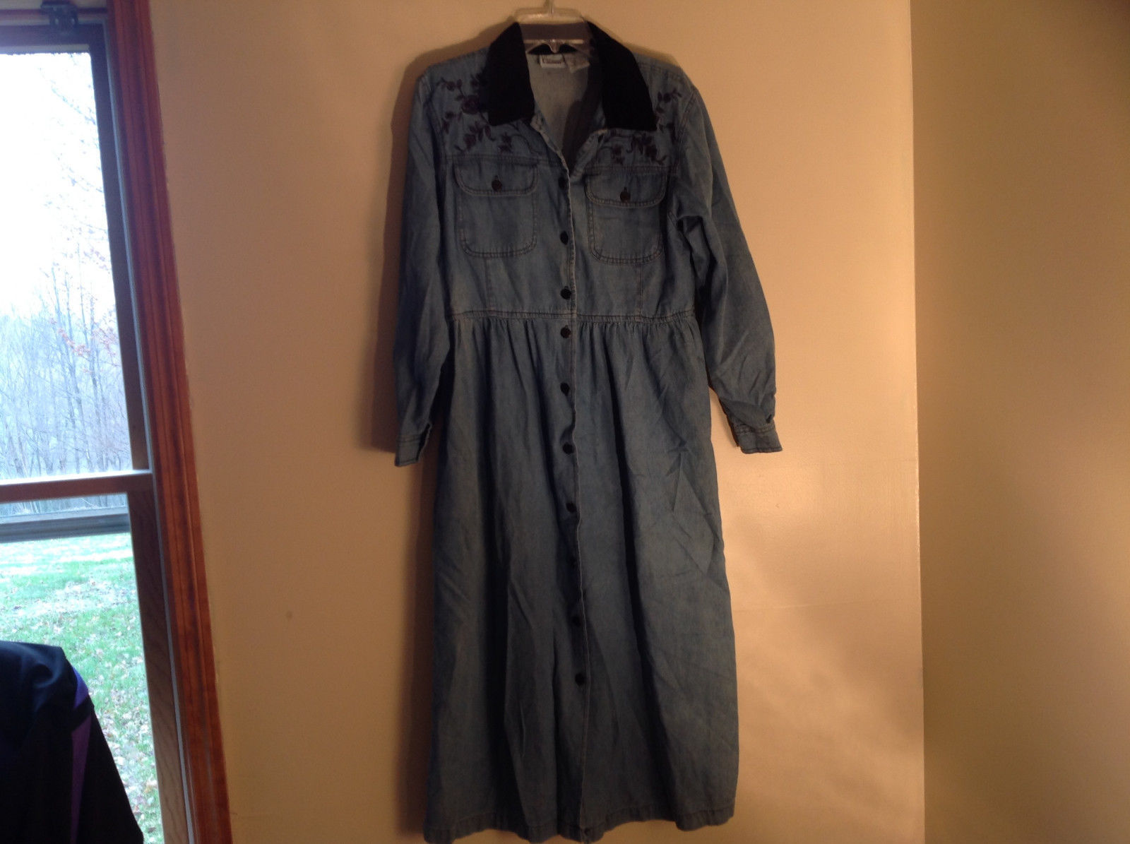Jean Flower Embroidered Velvet Collar Long Length Dress by Capacity Size Small