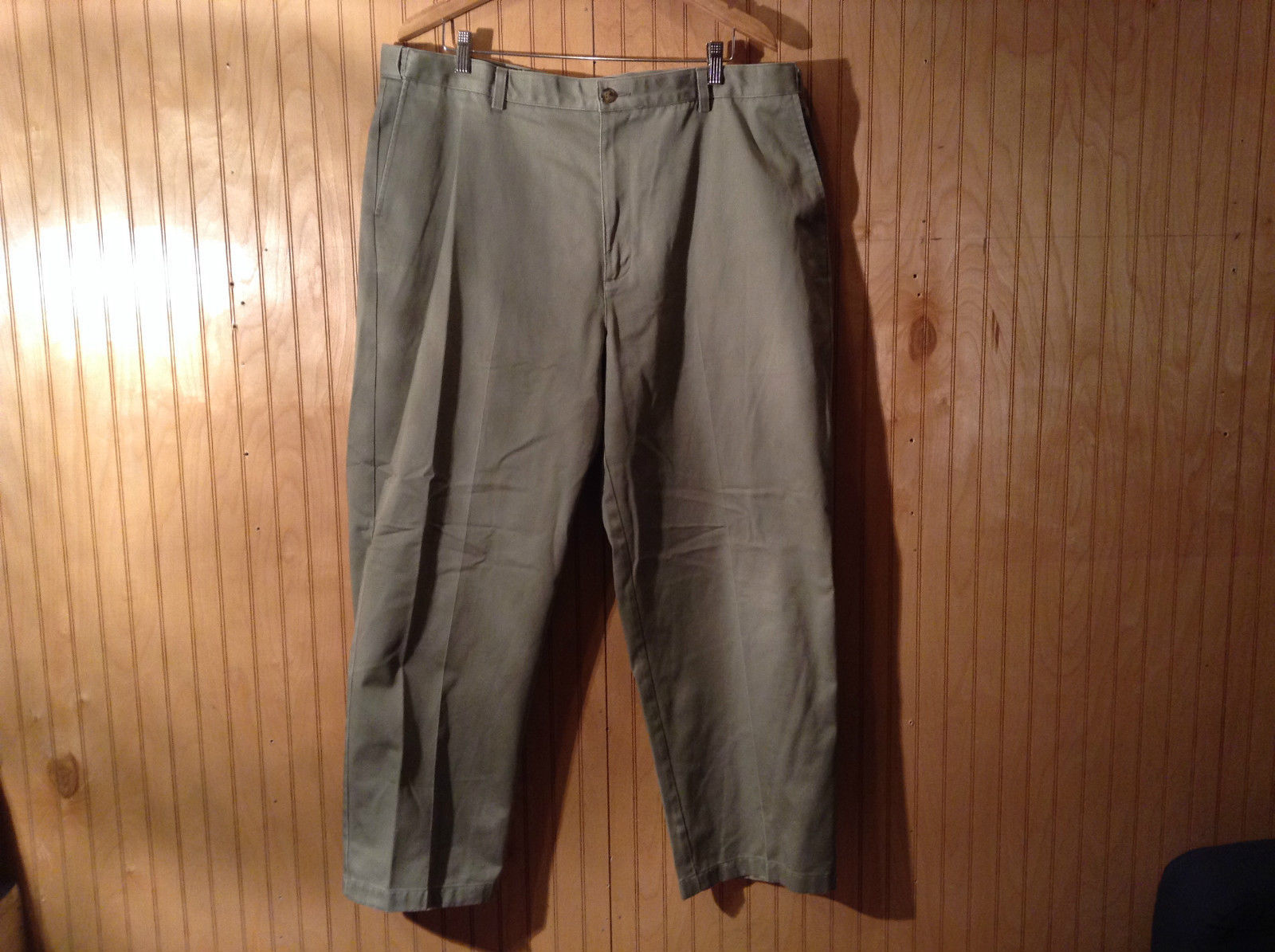 Green L L Bean Natural Fit Pleated Front Dress Pants 100 Percent Cotton Size 42