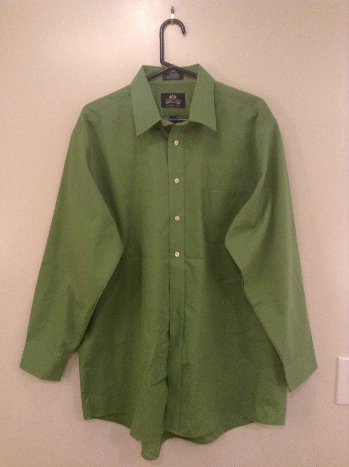 Green Long Sleeve Button Up Stafford Shirt Chest Pocket Size 17.5 by 34 to 35