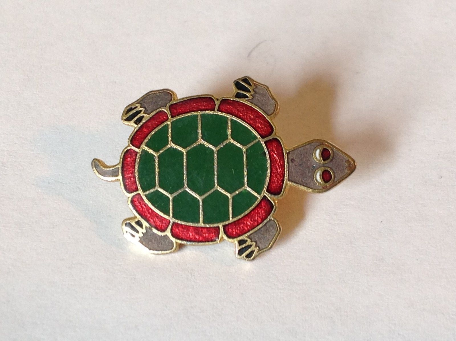 Green Red Gray Gold Tone Flat Turtle Pin Hinge Clasp Enamel Made in Korea