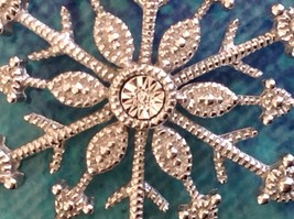 Gorgeous Sterling Silver Diamond Accent Snowflake Necklace Chain 18 Inches NIB image 4