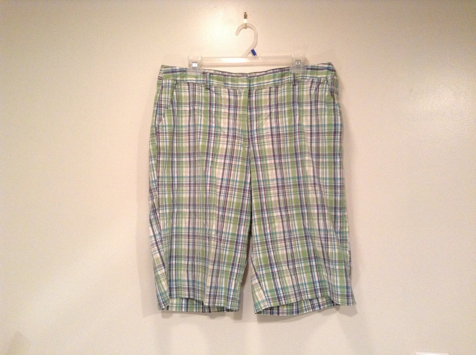 Green and Blue Plaid Casual Shorts Size 16 Kim Rogers Front and Back Pockets