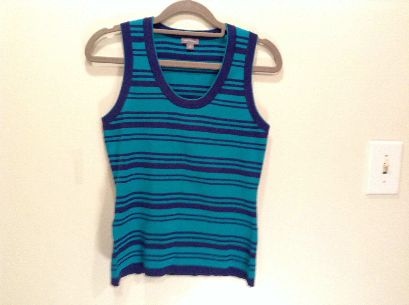 Green with Blue Stripes Ann Taylor Knitted Sleeveless Top Size Small Scoop Neck