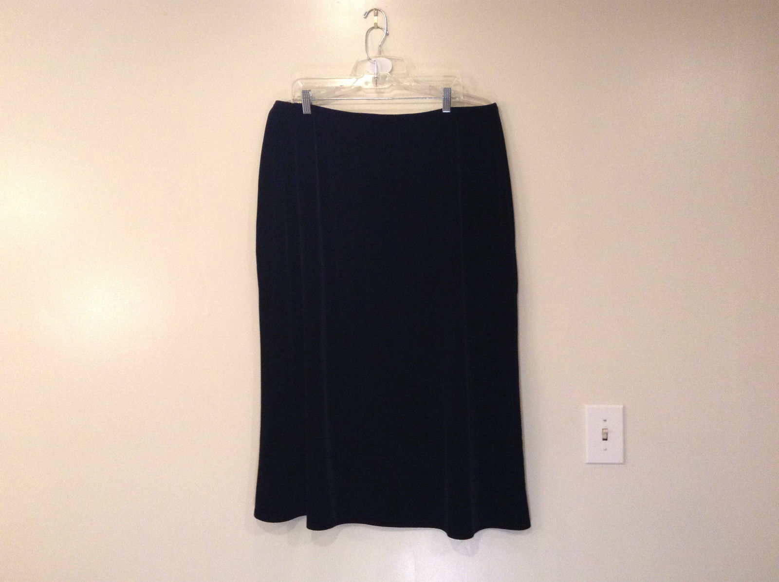 Kathie Lee Black Velvet Skirt Elastic Waist Straight No Slits Size 22W to 24W