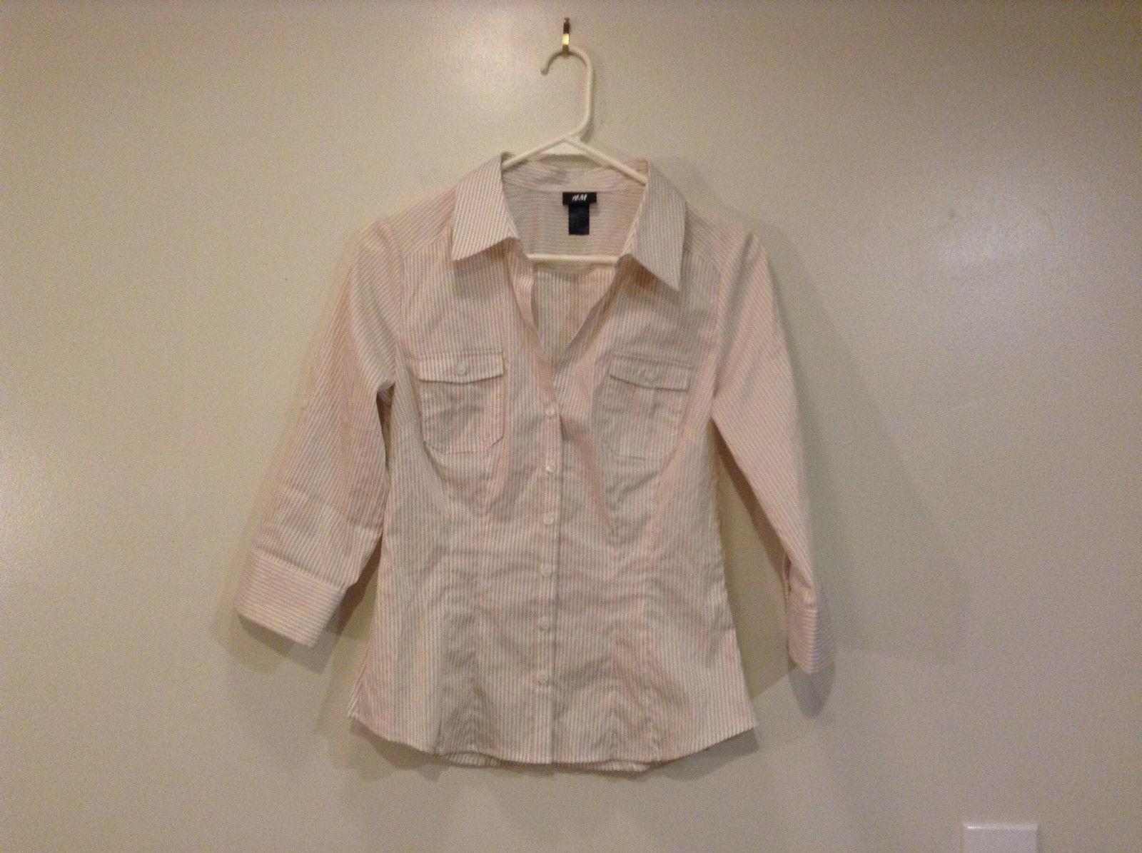 H and M Adjustable Sleeves Button Up Front Shirt White and Beige Stripes Size 8