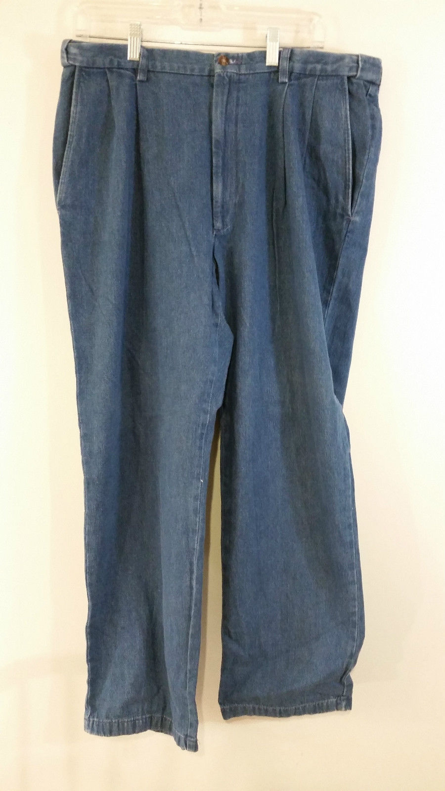 Haggar Dark Blue 100 Percent Cotton Jeans Pleated Front Size 36 by 32