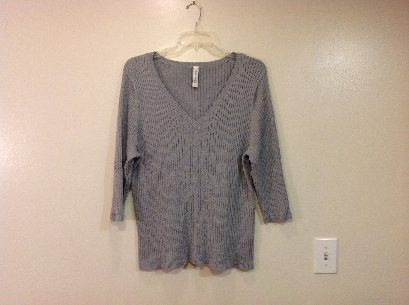 L.A.Blues Knitted Gray Deep V-neck 3/4 sleeve Pullover Sweater Size 22/24W
