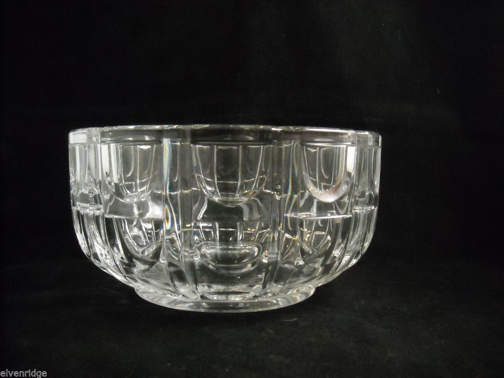 "Large 8"" diameter Geometric Patterned Heavy Cut Glass Serving Bowl Centerpiece"