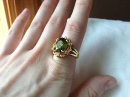Green CZ with White CZ Petal Like Design Gold Plated Ring Size 8 image 4