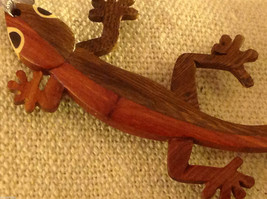 Hand carved multi colored grained wood gecko lizard  ornament double sided