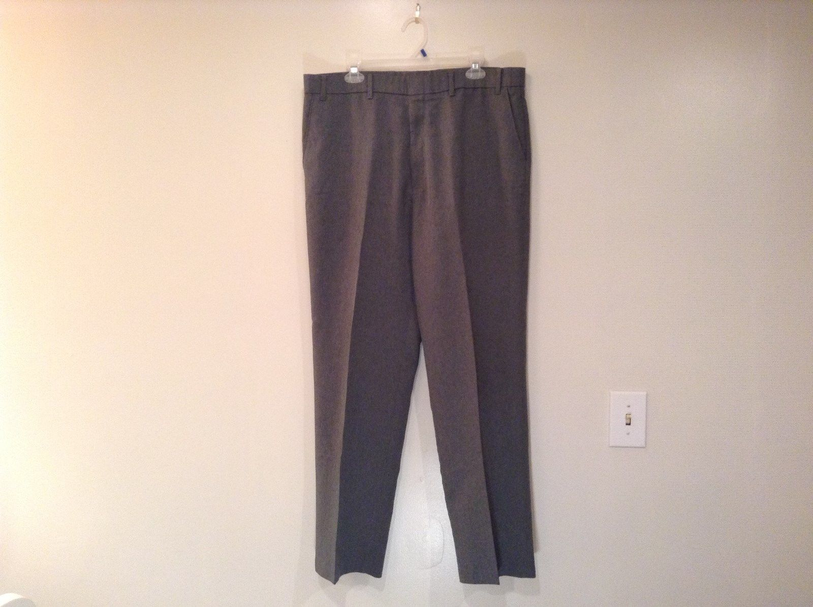 Levis Action Gray Pants Pleated Front 100 Percent Polyester Size W38 L32
