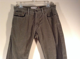 Levis Slim Straight Gray Green Corduroy Pants Size 32 by 29 Zip Button Closure