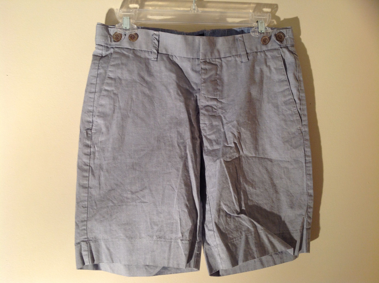 Light Gray Bermuda Shorts from H and M Zip Button Clasp Closure Size 32R