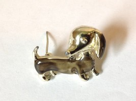 Light Gold Tone Weiner Dog Pin Brooch Gray Enamel Hinge Clasp Dachsund