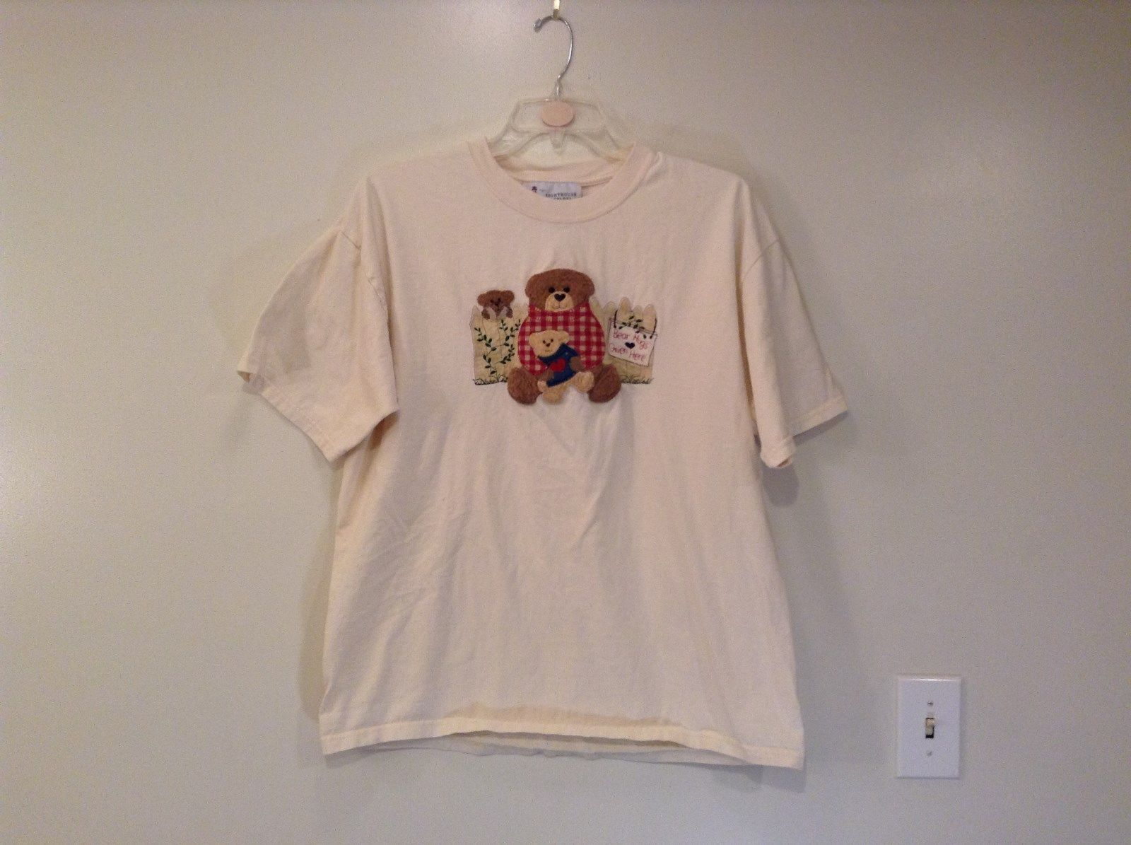 Lighthouse Apparel Size XL White Short Sleeve T Shirt Bear Design on Front